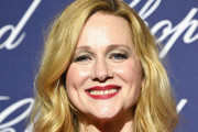 Laura Linney Medium Wavy Cut