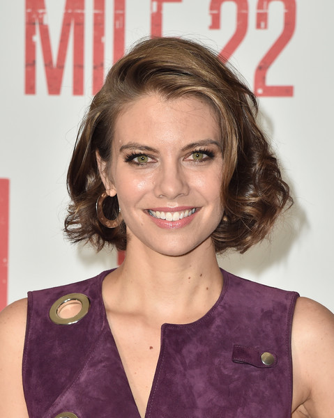 Lauren Cohan Curled Out Bob [stx films,mile 22,hair,face,hairstyle,eyebrow,blond,chin,lip,premiere,brown hair,smile,arrivals,lauren cohan,photo call,los angeles,california,four seasons hotel,beverly hills,photo call]