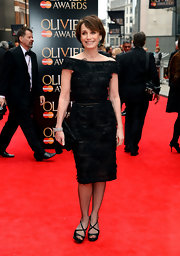 Kristin Scott Thomas kept it simple and chic on the red carpet with this off-the-shoulder, boat-neck LBD.