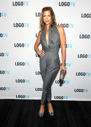 Alysia Reiner punctuated her outfit with gray snakeskin platform pumps.
