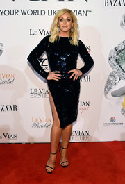 Jane Krakowski dazzled in a midnight-blue sequin dress with a hip-high slit at the Le Vian 2018 Red Carpet Revue.