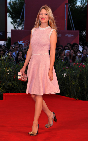 Lea Seydoux Box Clutch [red carpet,fashion model,carpet,clothing,dress,fashion,flooring,premiere,shoulder,hairstyle,lea seydoux,67th venice film festival,premiere,somewhere,venice,italy,sala grande palazzo del cinema]