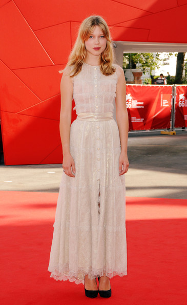 Lea Seydoux Lace Dress [lea seydoux,sala grande,red carpet,fashion model,clothing,carpet,dress,flooring,red,premiere,fashion,shoulder,lourdes,venice,italy,red carpet - 66th venice film festival,premiere]