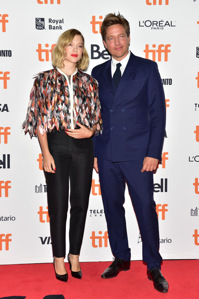 Lea Seydoux Skinny Pants [suit,carpet,premiere,red carpet,fashion,event,flooring,formal wear,tie,tuxedo,lea seydoux,thomas vinterberg,premiere,kursk,toronto,canada,princess of wales theatre,toronto international film festival,premiere]