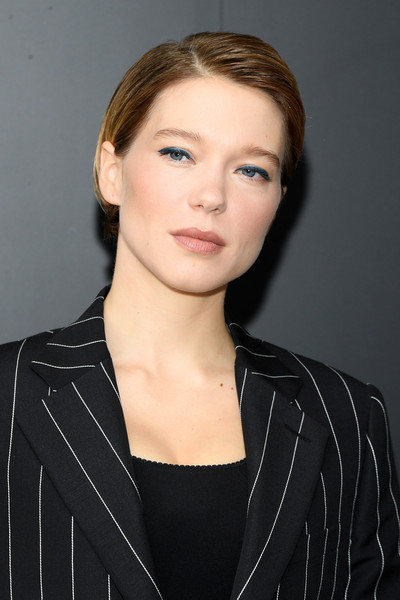 Lea Seydoux Short Side Part [hair,face,hairstyle,eyebrow,chin,lip,beauty,forehead,cheek,blond,louis vuitton,lea seydoux,part,fashion,fashion week,hair,paris,photocall - paris fashion week,paris fashion week,show,l\u00e9a seydoux,paris fashion week,paris,actor,un si grand soleil,fashion week,fashion,bond girl,2020]