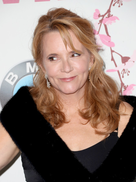 Lea Thompson Half Up Half Down [film,hair,hairstyle,blond,eyebrow,beauty,long hair,shoulder,brown hair,smile,neck,women,lea thompson,women in film 2017 crystal lucy awards,crystal lucy awards,the beverly hilton hotel,california,max mara,bmw,red carpet]