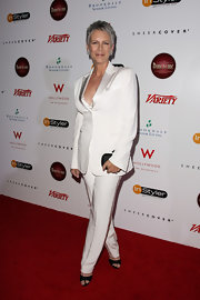 Jamie Lee Curtis looked cool, calm and collected in this sleek pure white pantsuit.