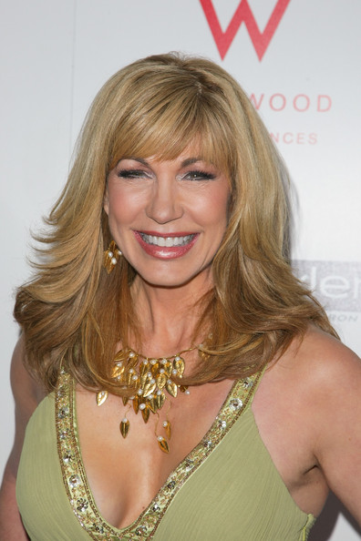 Leeza Gibbons Long Wavy Cut with Bangs