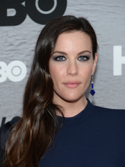 Liv Tyler topped off her look with a pair of modern-glam geometric earrings.
