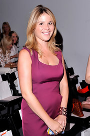 Jenna Bush accessorized with a gold lattice style cuff bracelet to the Lela Rose Spring 2013 fashion show.