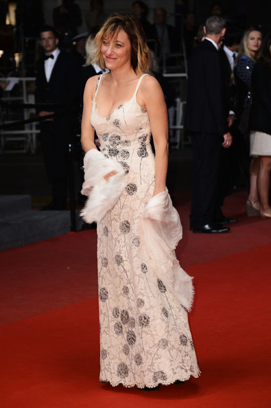 More Pics of Valeria Bruni-Tedeschi Evening Dress (1 of 9) - Valeria Bruni-Tedeschi Lookbook - StyleBistro [les salauds premiere - the 66th annual cannes film festival,red carpet,carpet,dress,clothing,flooring,gown,shoulder,premiere,fashion,hairstyle,valeria bruni tedeschi,cannes,france,salle debussy,premiere,cannes film festival]