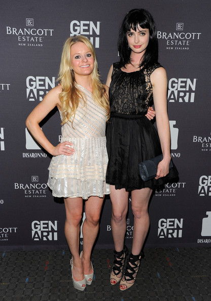 More Pics of Krysten Ritter Little Black Dress (27 of 33) - Krysten Ritter Lookbook - StyleBistro