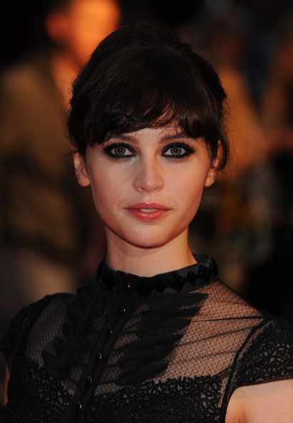 Felicity Jones' was very red-carpet ready at the London premiere of 'Like Crazy'. Her sexy smoky-eyed look was played for dramatic effect.