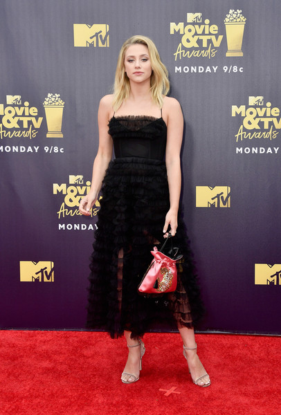 Lili Reinhart Strappy Sandals [movie,flooring,carpet,red carpet,shoulder,joint,lili reinhart,tv awards,santa monica,california,barker hangar,mtv]