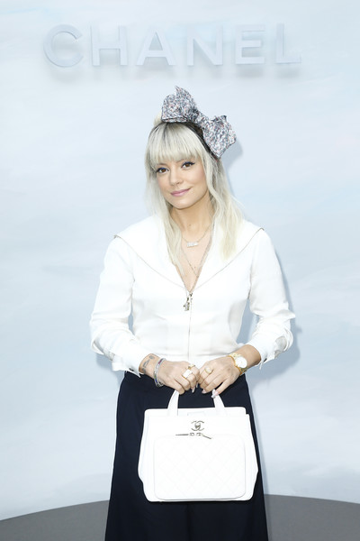 Lily Allen Leather Tote [chanel haute couture fall,white,product,lady,beauty,skin,fashion,shoulder,fashion accessory,neck,white-collar worker,lily allen,paris,france,le grand palais,chanel,photocall - paris fashion week,show]