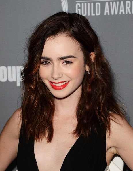 Lily Collins Medium Wavy Cut