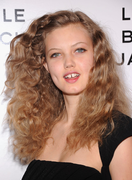 Lindsey Wixson Long Curls