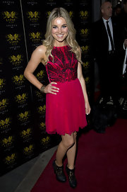 Sian Welby wore a hot pink frock with a black embroidered bodice to the Lipsy VIP Awards Ceremony.