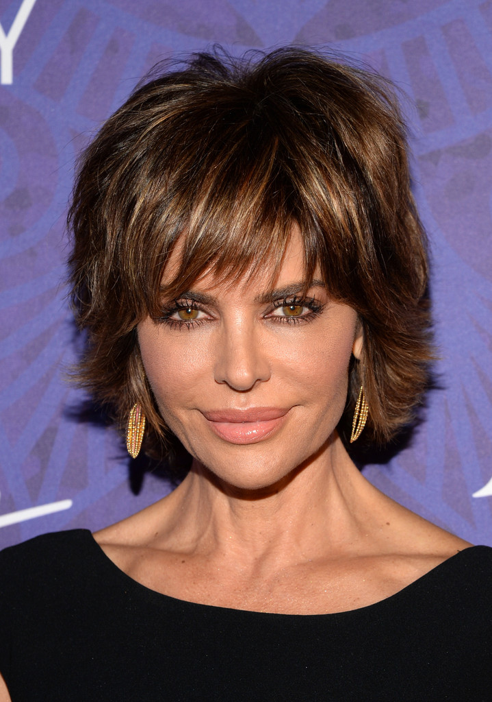 Lisa Rinna Layered Razor Cut Lookbook