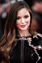 Georgina Chapman looked very pretty even with this simple side-parted 'do at the Cannes premiere of 'The Little Prince.'