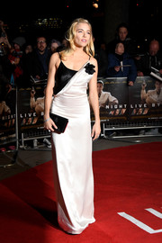 Sienna Miller looked simply elegant in a draped black-and-white slip dress by Lanvin at the London premiere of 'Live by Night.'