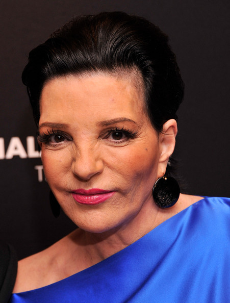 Liza Minnelli Geommetric Earrings [reporters,liza minnelli,people,actress,the hollywood reporters 35 most powerful people in media,media,hair,face,eyebrow,hairstyle,chin,forehead,lip,head,cheek,nose,hollywood,grill room,new york city,four seasons]