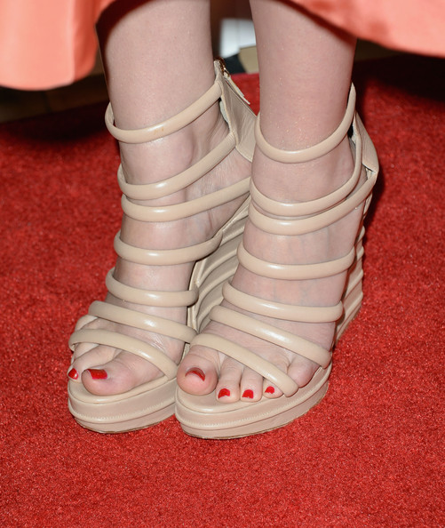 Lizzy Caplan Wedges