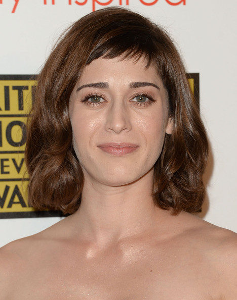 Lizzy Caplan Curled Out Bob [hair,face,hairstyle,eyebrow,chin,brown hair,head,forehead,blond,lip,arrivals,lizzy caplan,california,los angeles,the beverly hilton hotel,broadcast television journalists association,third annual critics choice television awards]