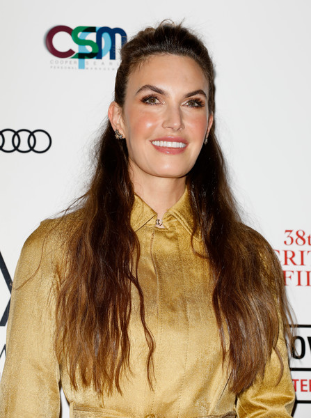 Elizabeth Chambers went for a simple half-up hairstyle when she attended the London Critics' Circle Film Awards.