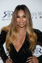 Ashanti showed off an ultra-glam wavy 'do at the premiere of 'Mothers and Daughters.'