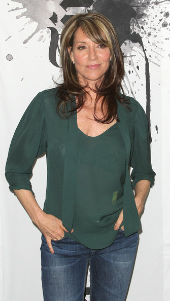 Katey Sagal was demure and classy in a green tie-neck silk blouse at 'The Envelope: Primetime Emmy Screening Series.'