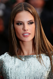 Alessandra Ambrosio chose a sleek and straight 'do for her look at the premiere of 'All is Lost.'