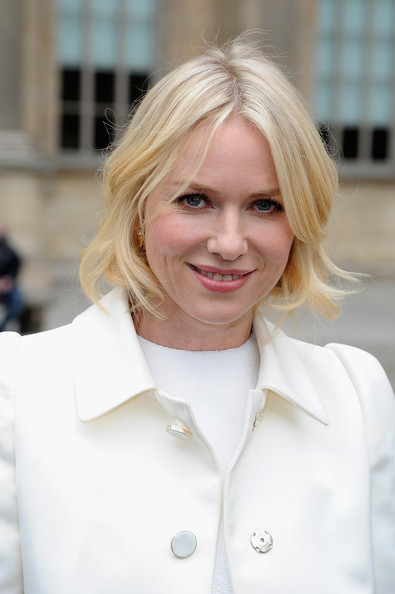 More Pics of Naomi Watts Wool Coat (1 of 11) - Naomi Watts Lookbook - StyleBistro