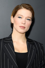 Lea Seydoux was looked breezy with her neat short 'do at the Louis Vuitton Spring 2021 show.