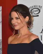 Kate Beckinsale sported a chic updo with wispy strands of loose hair for a slightly messy look at the 'Love & Friendship' New York screening.