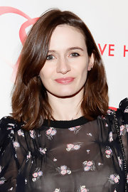 Emily Mortimer wore her ultra shiny hair in a sleek bob at the Alison Gertz Foundation for AIDS Education 20th Anniversary Gala.