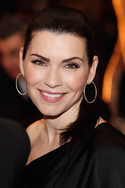 Julianna Margulies wore a shimmering rosy-pink lipstick at the Alison Gertz Foundation for AIDS Education 20th Anniversary Gala