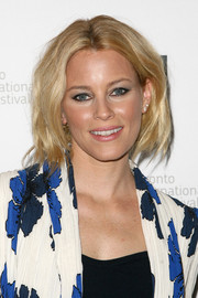 Elizabeth Banks pulled her hair up into a wavy faux bob for the premiere of 'Love & Mercy.'