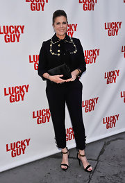 Rita Wilson opted for a pairing of black skinny pants to complement her black blazer.