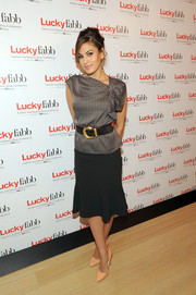 Want to know what to wear to the office to stay on trend?  Just ask Eva Mendes!