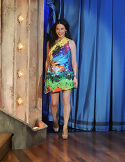 Lucy Liu wore a fearlessly brilliant print to visit the 'Late Night With Jimmy Fallon.'