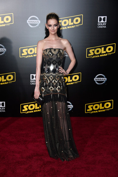 Lydia Hearst Strapless Dress [solo: a star wars story,dress,clothing,carpet,red carpet,strapless dress,shoulder,premiere,hairstyle,fashion,gown,arrivals,lydia hearst,el capitan theatre,los angeles,california,lucasfilm,disney pictures,premiere,premiere]