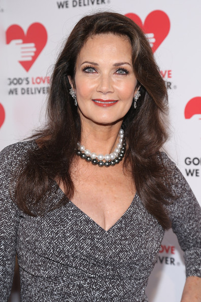 Lynda Carter Clothes