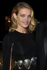 Natalia has perfected the art of the side-swept waves!