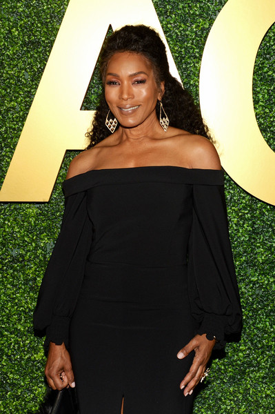More Pics of Angela Bassett Fur Purse (1 of 3) - Fur Purse Lookbook - StyleBistro [shoulder,clothing,dress,beauty,yellow,little black dress,fashion,joint,long hair,black hair,macro pre-oscar party,casita hollywood,los angeles,california,angela bassett]