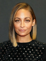 Nicole Richie wore her hair in a hip asymmetrical cut when she attended the Style Awards.