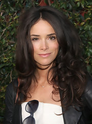 Abigail Spencer added lots of volume and curl to her look while viewing an exhibit at MOCA.