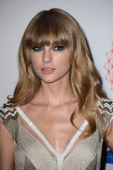 More Pics of Taylor Swift Long Wavy Cut with Bangs (6 of 9) - Taylor Swift Lookbook - StyleBistro