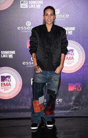 Skylar Grey went for a tomboy vibe with a black bomber jacket during the MTV EMAs.