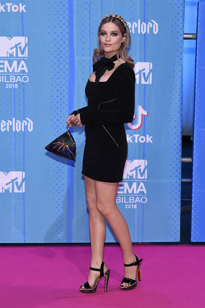 More Pics of Laura Whitmore Beaded Wristlet (2 of 4) - Wristlets Lookbook - StyleBistro [clothing,carpet,cobalt blue,electric blue,fashion,shoulder,red carpet,dress,leg,footwear,red carpet arrivals,laura whitmore,bilbao exhibition centre,spain,mtv,mtv emas]